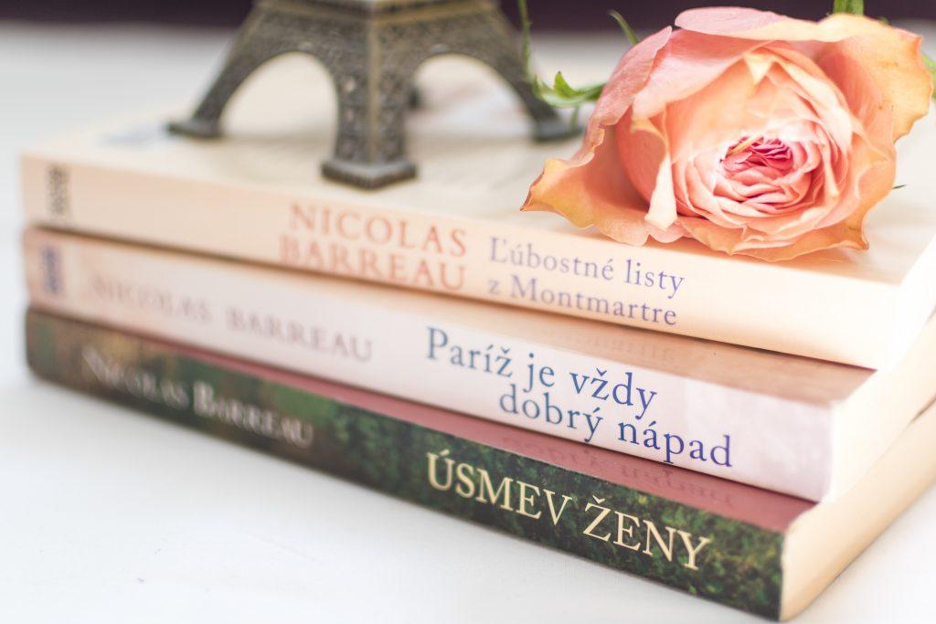book, flower, nicolas barreau, Trente-trois fois mon Amour, Love letters from Montmartre, ľúbostné listy z Montmartre, Paríž je vždy dobrý nápad, Paris is always a good idea, La sourire des femmes