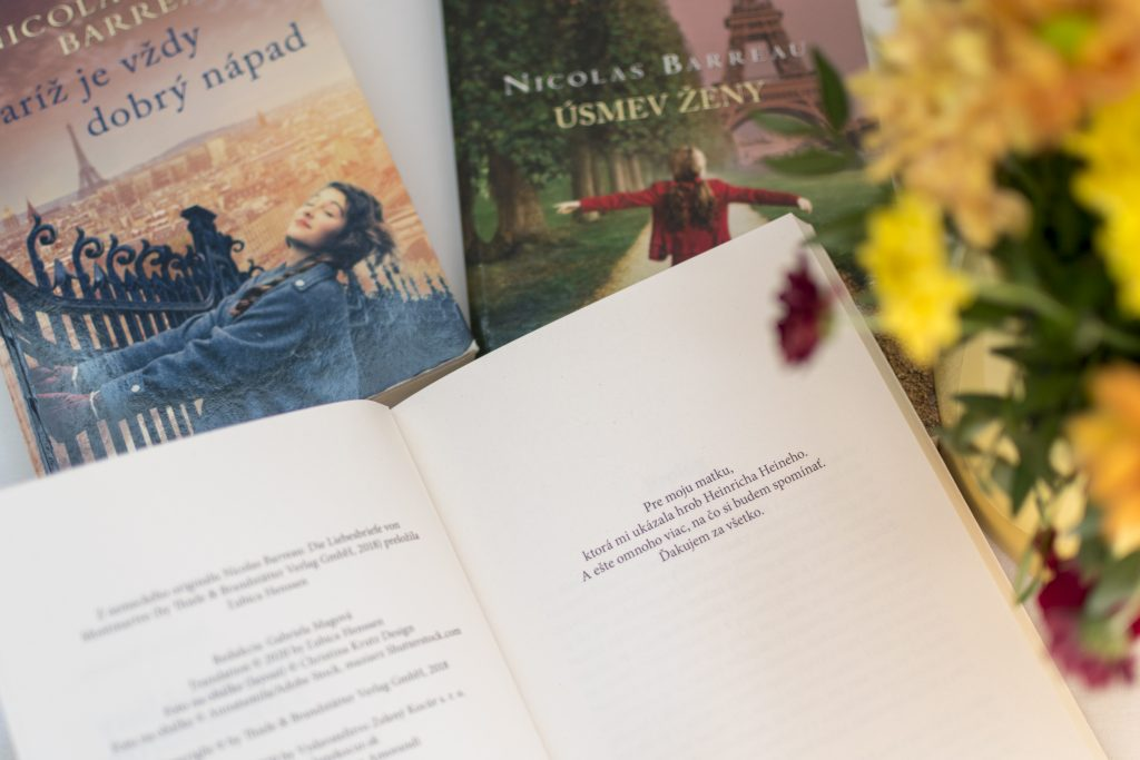 book, flower, nicolas barreau, Trente-trois fois mon Amour, Love letters from Montmartre, ľúbostné listy z Montmartre